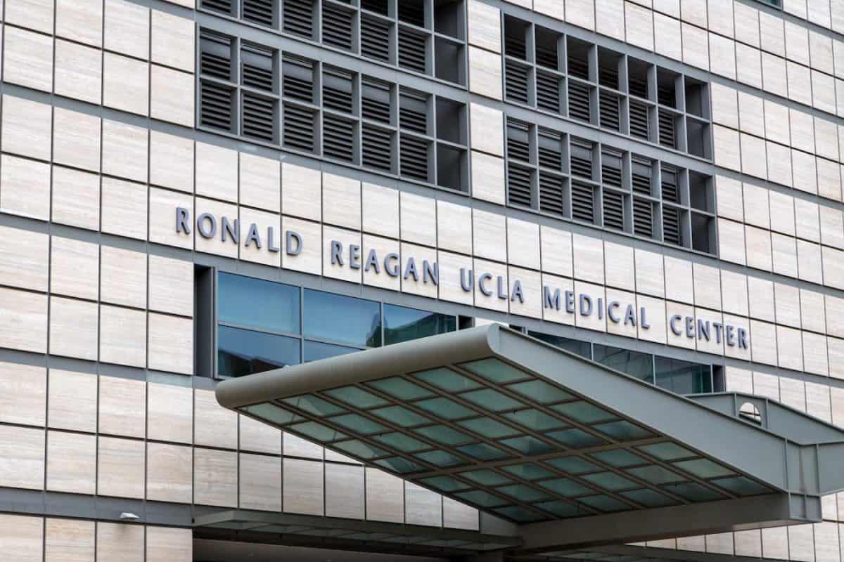 top hospitals in los angeles-ronald-reagan ucla medical center