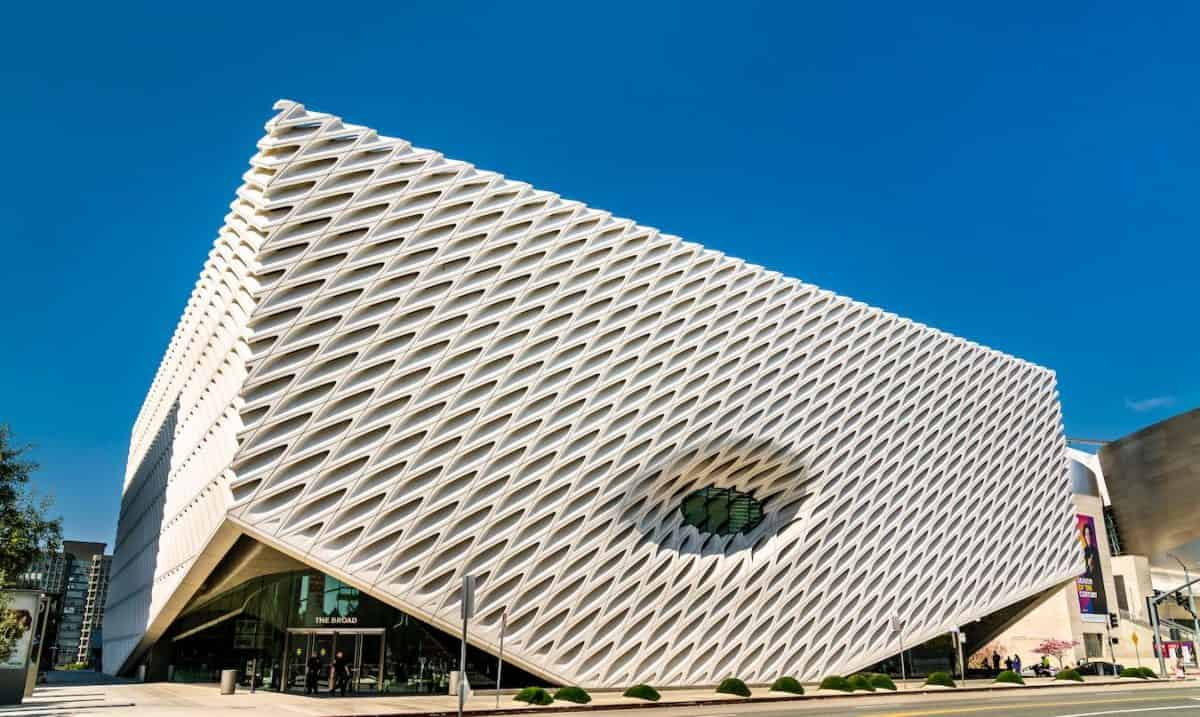 los angeles offers museum the broad