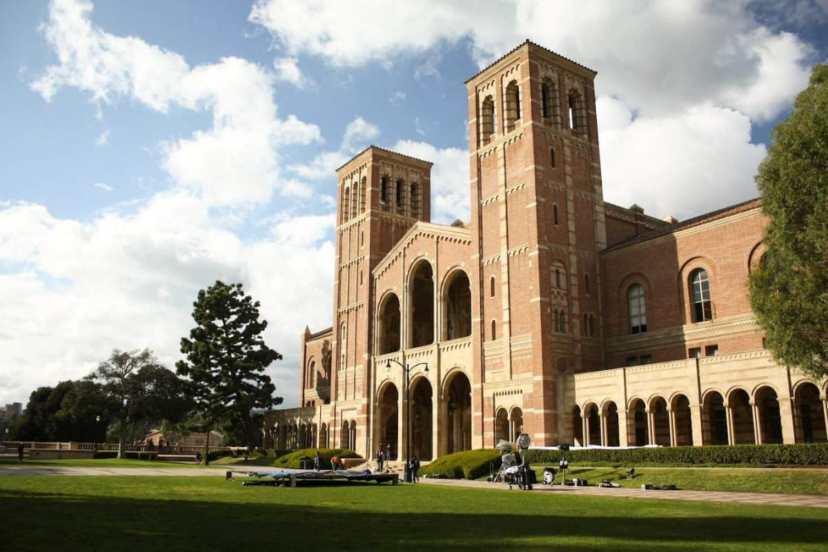 top 5 colleges in los angeles ucla