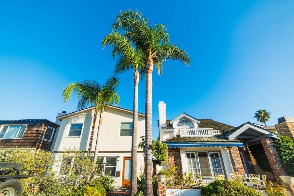 building a custom house in LA
